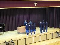 表彰を受ける生徒