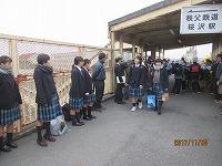 秩父鉄道桜沢駅での生徒挨拶風景