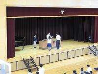 代表生徒の表彰の様子
